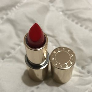 NEW - BECCA x Khloe lipstick in Hot Tamale